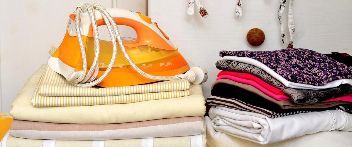 Bügelwäsche - mit einem Bügelbrett einfacher zu bügeln.