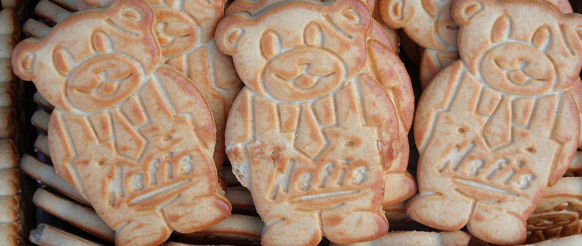Kekse mithilfe von Keksstempel