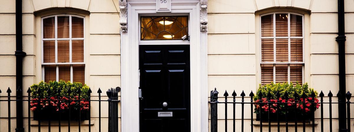 Fassadenfarbe Vergleich und Tipps
