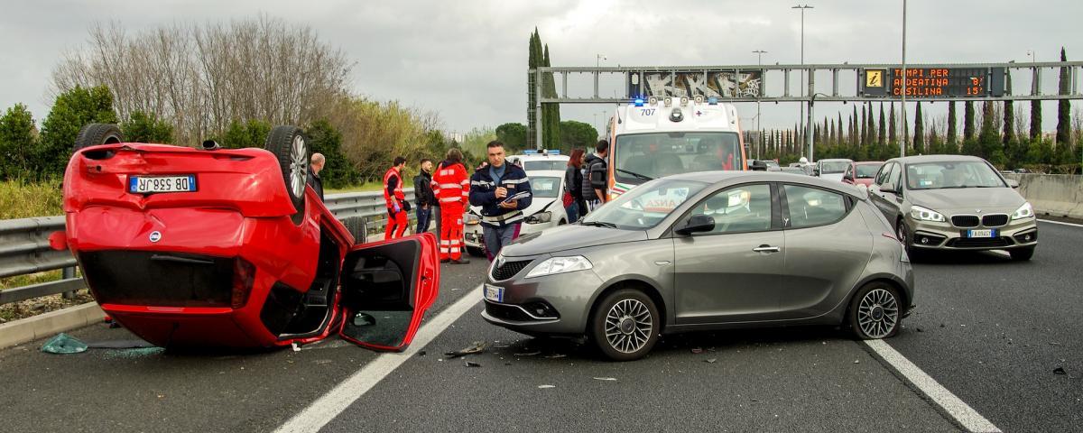Verkehrsunfall auf einer Autobahn in Italien