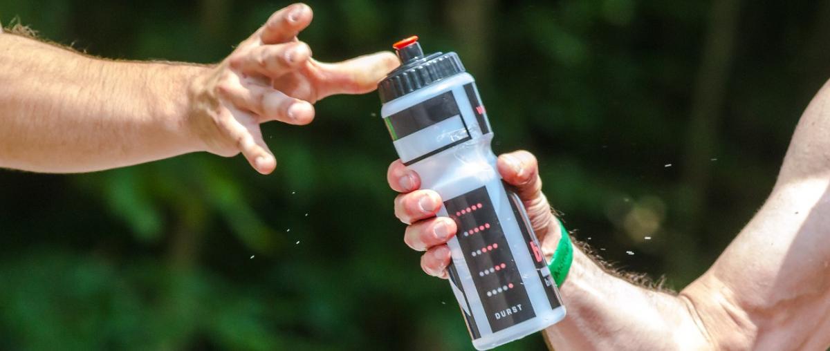 Trinkflasche aus dem Trinkgürtel